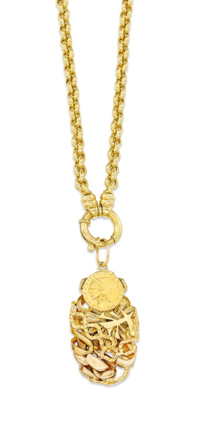 A CHAIN NECKLACE AND PENDANT