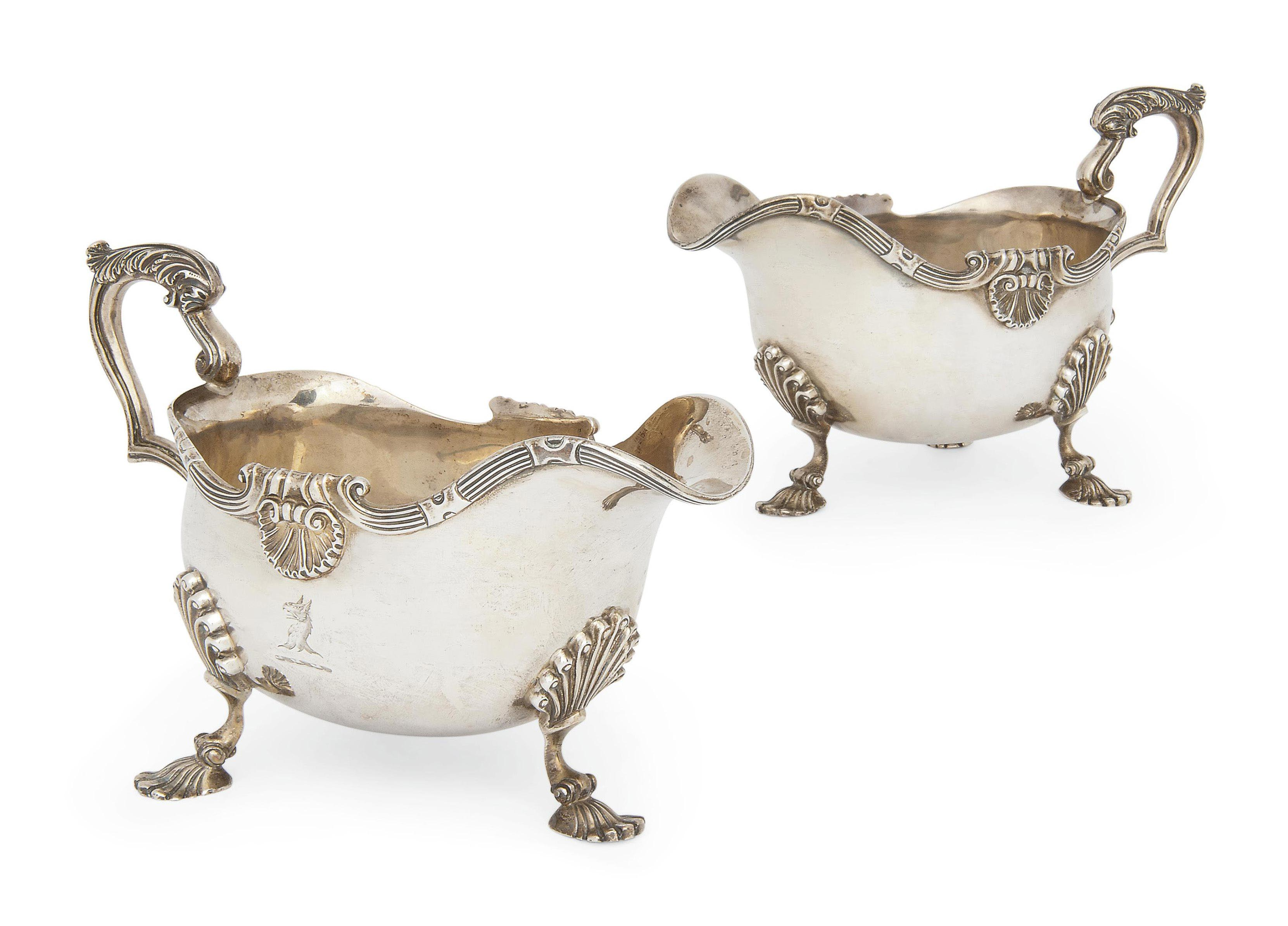 A PAIR OF EDWARDIAN SILVER SAUCEBOATS OF GEORGE II STYLE