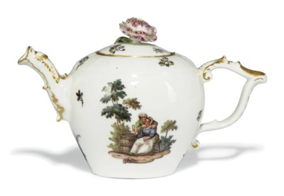 A MEISSEN GLOBULAR TEAPOT AND