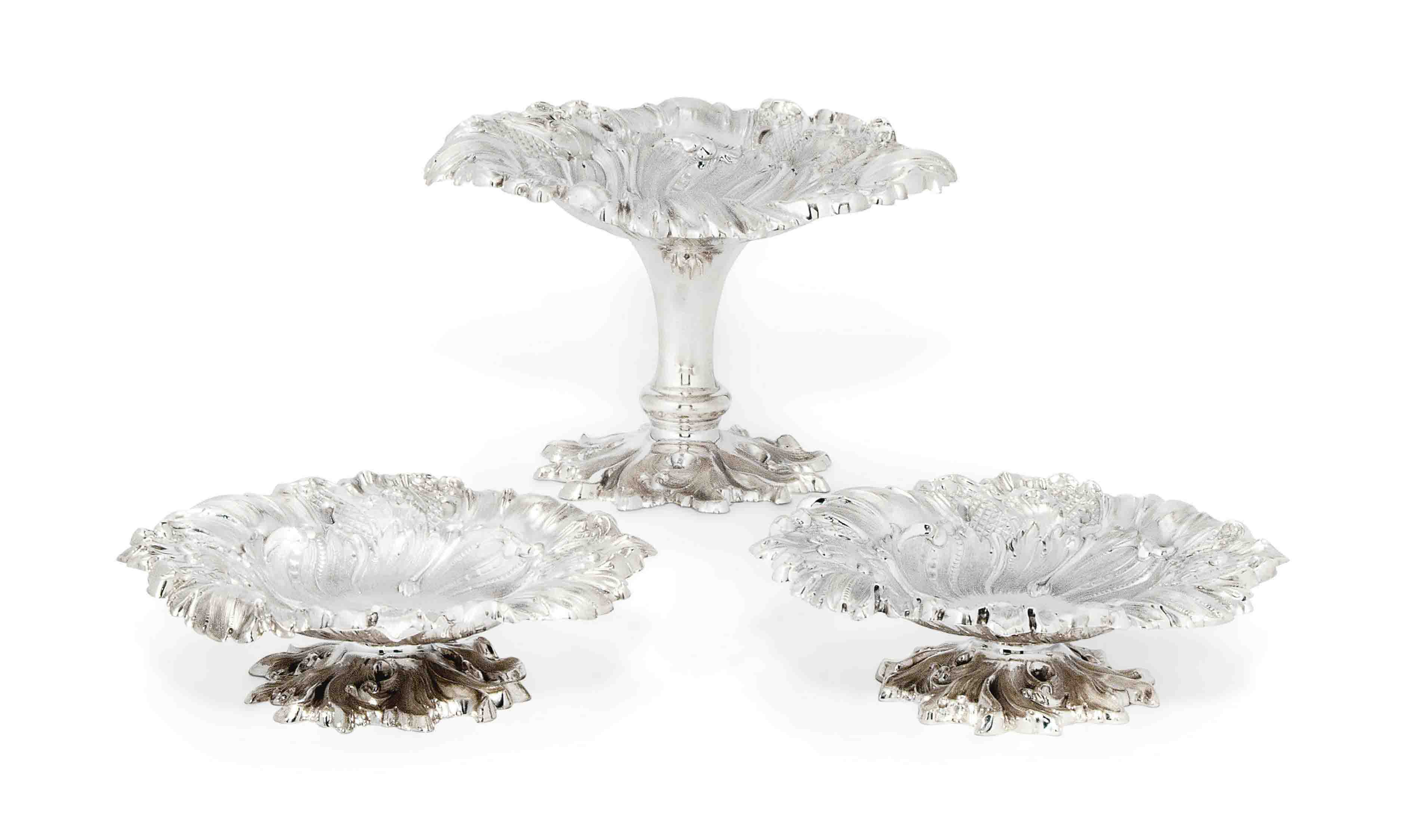 A SUITE OF THREE EDWARDIAN SILVER TAZZE
