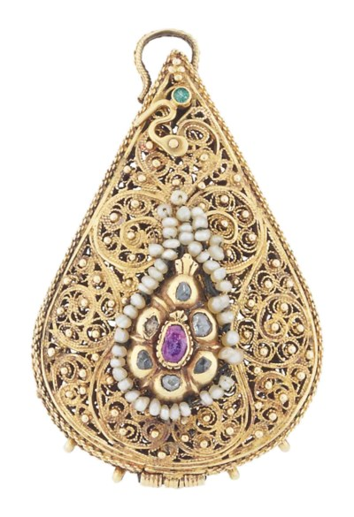 A JEWELLED GILT OR GOLD-FILIGR