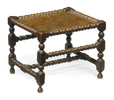 A WILLIAM AND MARY OAK STOOL