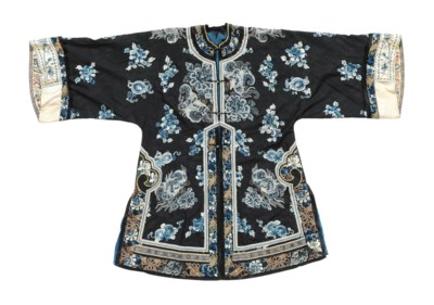 A LADY'S INFORMAL ROBE AND APR