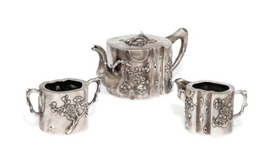 A CHINESE EXPORT SILVER THREE-