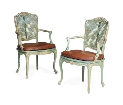 A PAIR OF FRENCH GREEN AND WHI