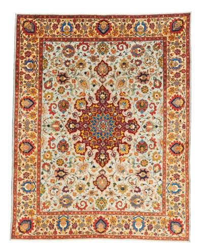 A fine Tabriz 'Narvani' carpet