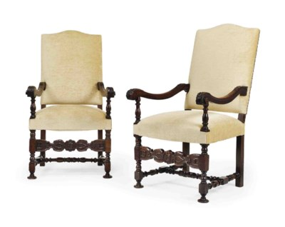 A PAIR OF ITALIAN CARVED AND S