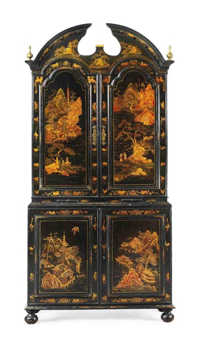 A CHINESE EXPORT GILT-DECORATE