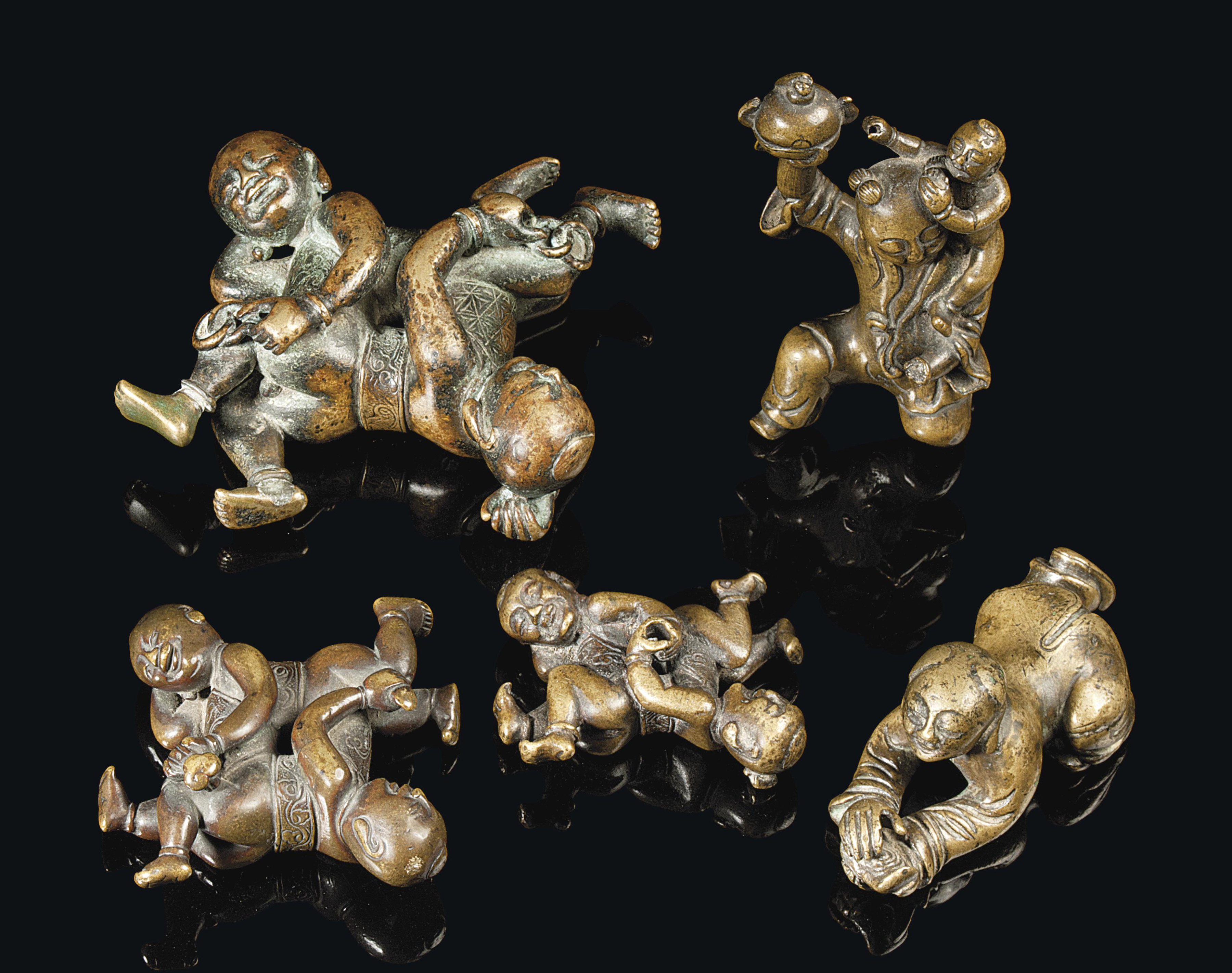 FIVE CHINESE BRONZE FIGURES OF