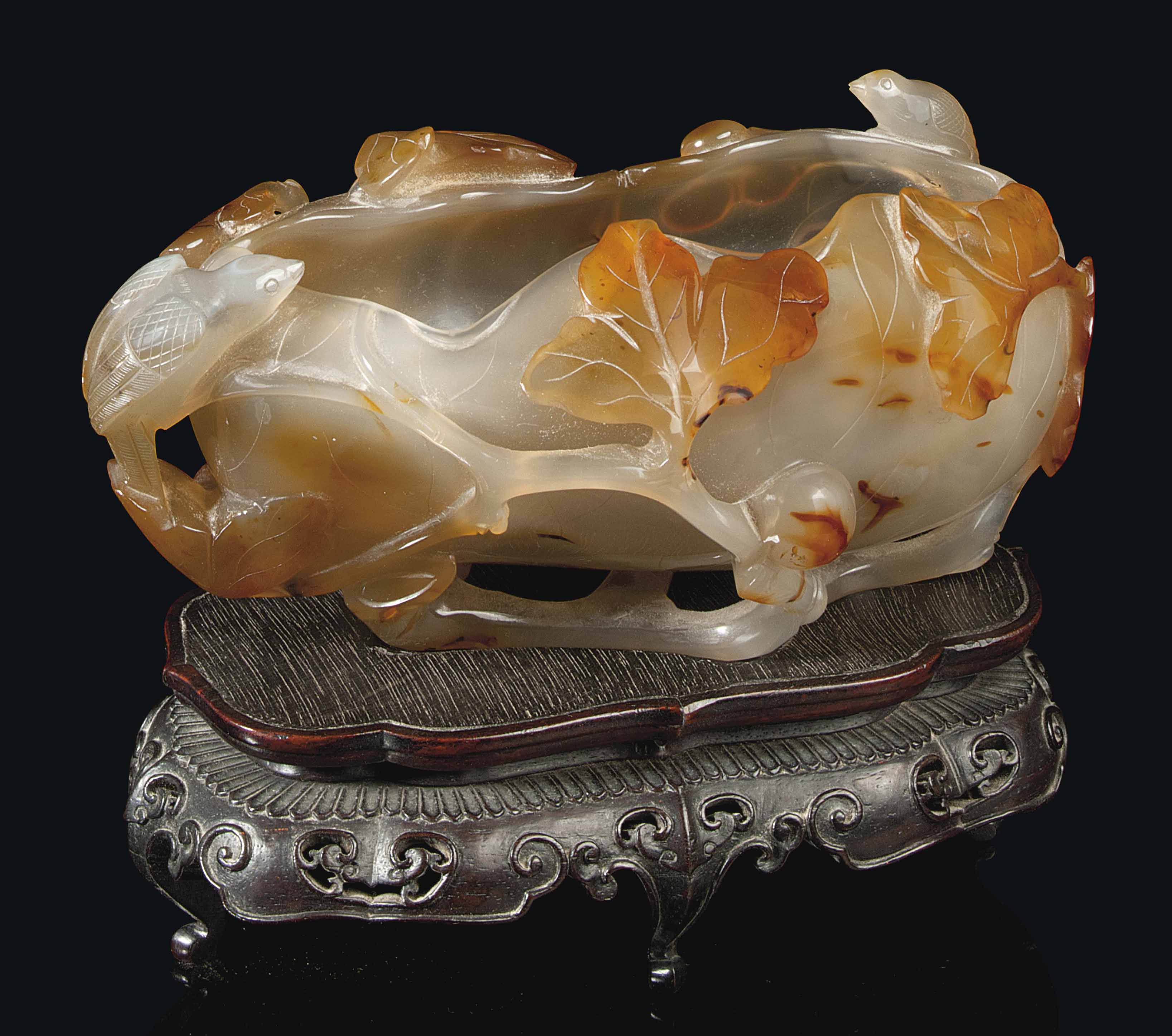 A CHINESE AGATE BRUSHWASHER