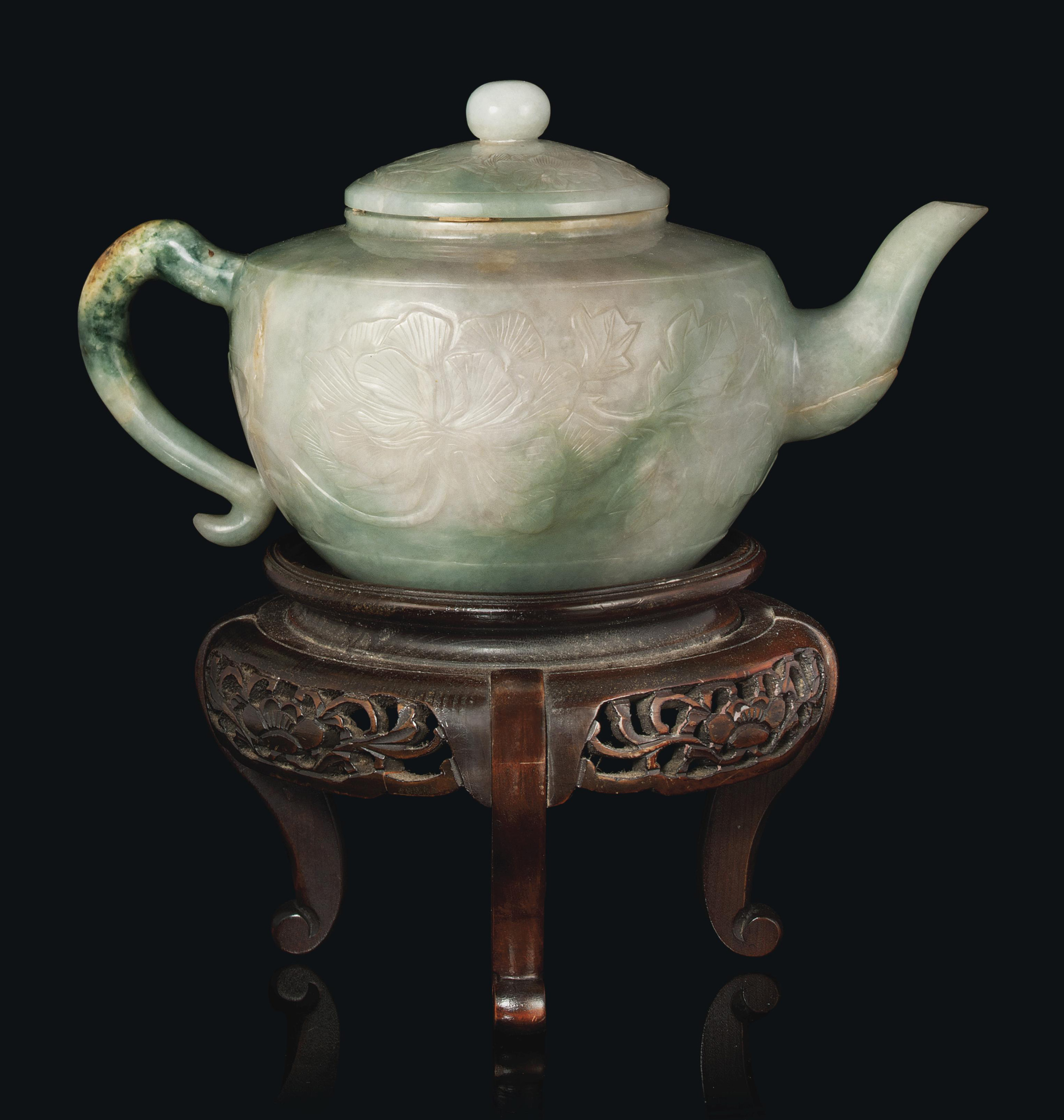 A CHINESE JADEITE TEAPOT AND C