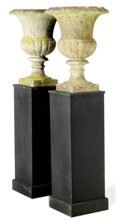 A PAIR OF ENGLISH WHITE-MARBLE