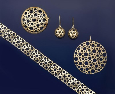 A group of jewellery, by Nilo