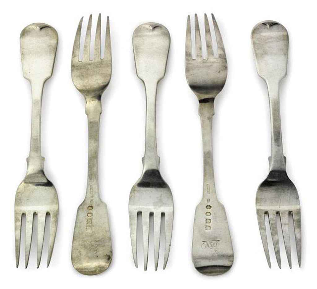 A SET OF TWELVE WILLIAM IV IRISH SILVER FIDDLE PATTERN TABLE FORKS