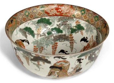 A LARGE JAPANESE BOWL