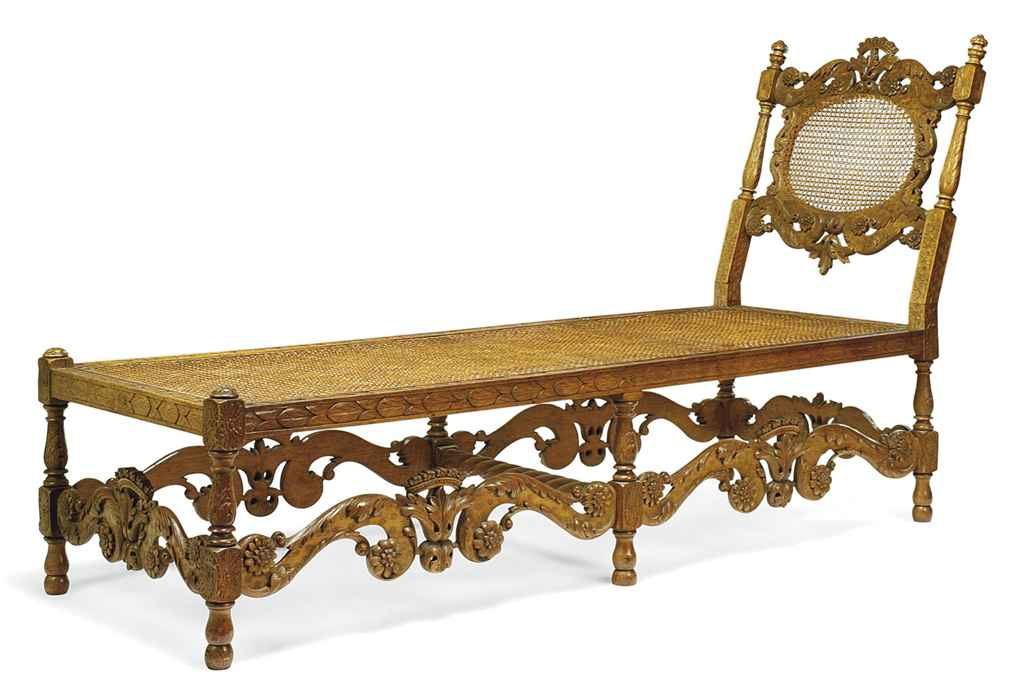 A CHARLES II STYLE OAK DAYBED