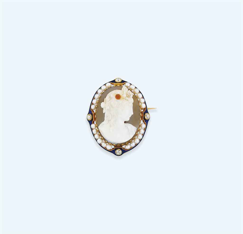 A 19th century French gold mounted hardstone cameo brooch