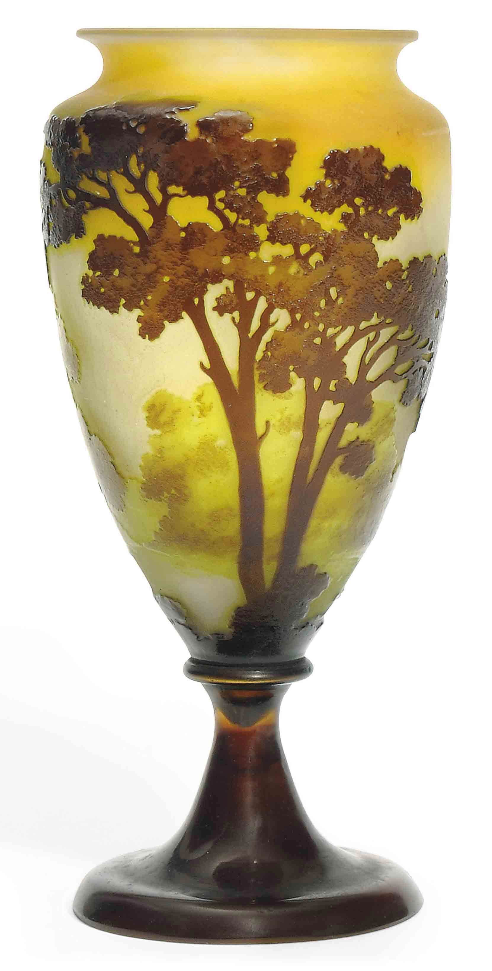 AN EMILE GALLÉ CAMEO GLASS 'LA