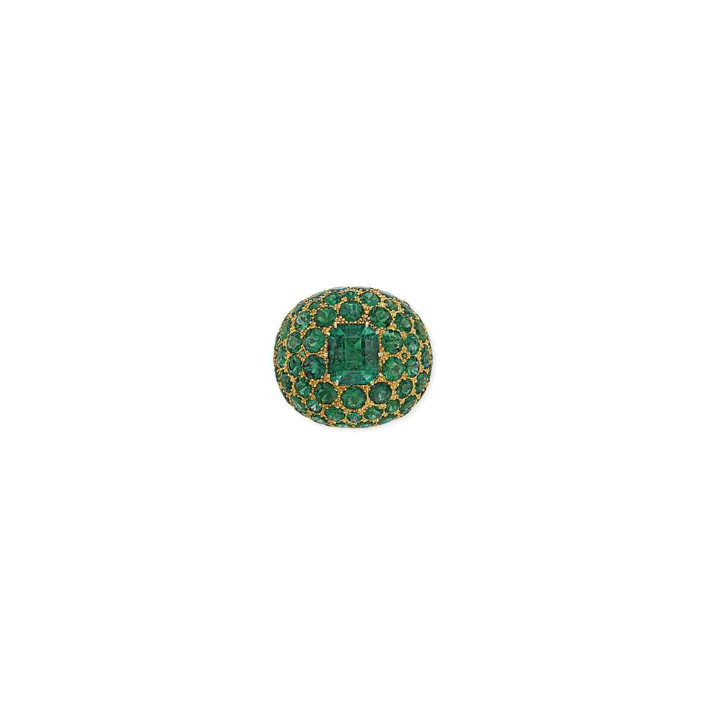 AN ATTRACTIVE EMERALD COCKTAIL RING, BY MICHAEL YOUSSOUFIAN