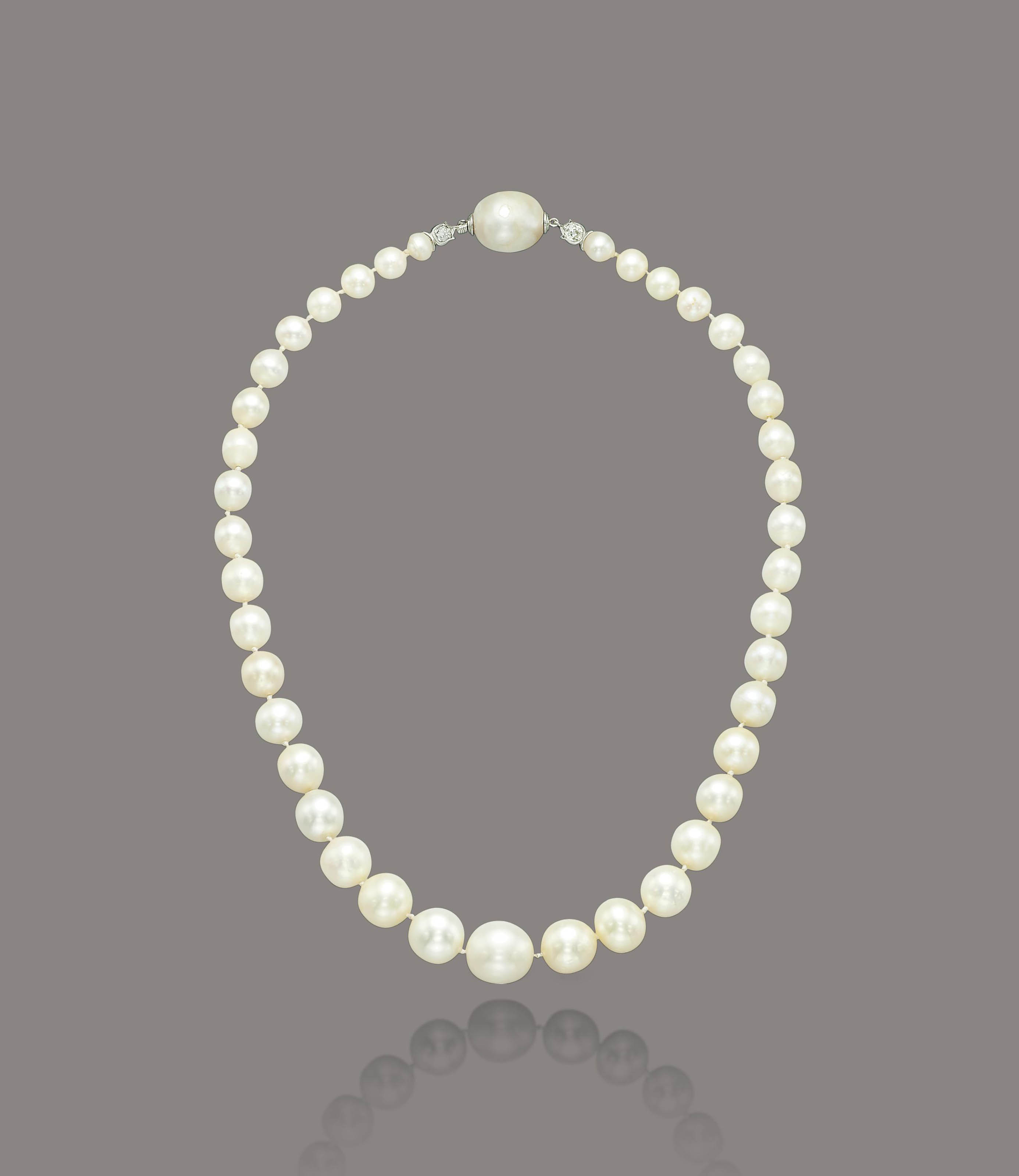 A NATURAL AND CULTURED PEARL NECKLACE