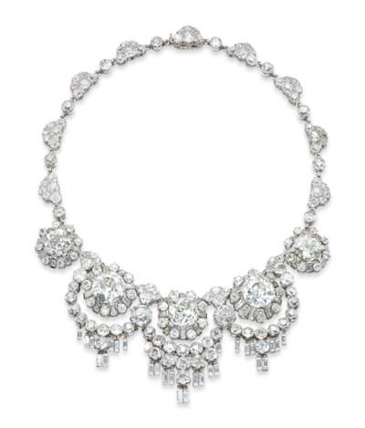 A UNIQUE DIAMOND NECKLACE, BY