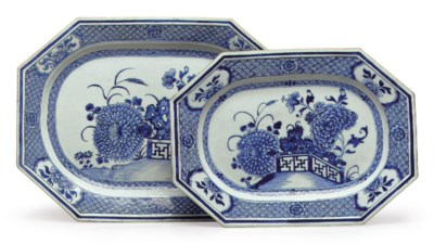 A SET OF TWO BLUE AND WHITE PL