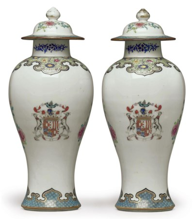 A PAIR OF ARMORIAL BALUSTER VA