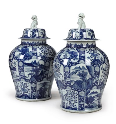 A PAIR OF BLUE AND WHITE SWEDI