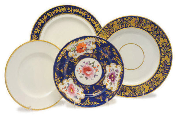 A GROUP OF ENGLISH AND AMERICAN PORCELAIN DINNER WARES,