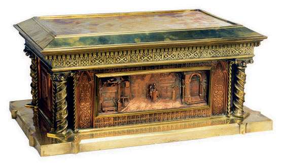 A GILT BRASS AND REPOUSSE COPPER JEWELRY CASKET,