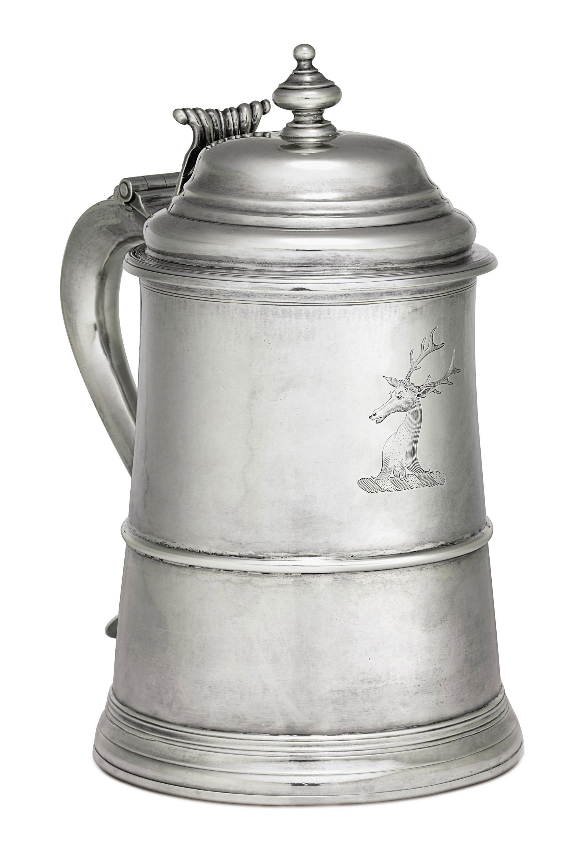 A FINE AND LARGE SILVER TANKARD