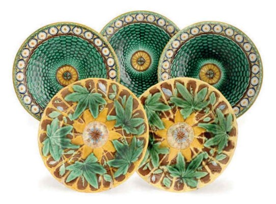 SIX ENGLISH MAJOLICA PLATES IN