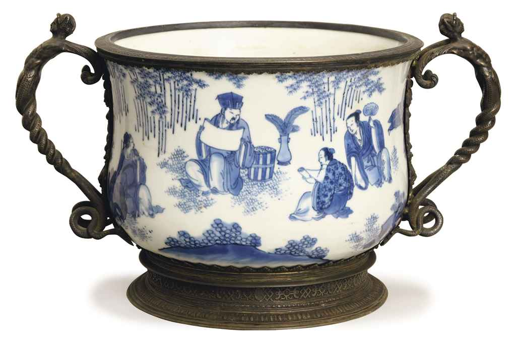 A CHINESE GEORGE V SILVER MOUNTED BLUE AND WHITE PORCELAIN BOWL,