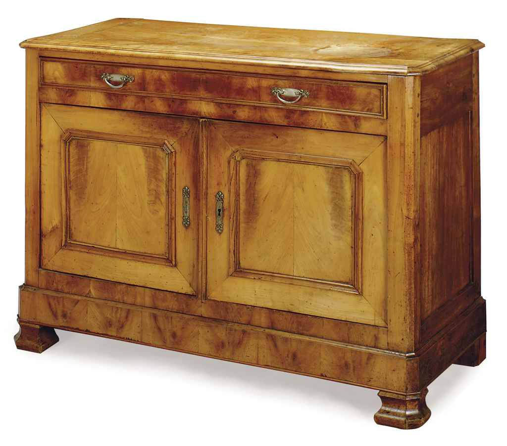 A FRENCH WALNUT SIDE CABINET,