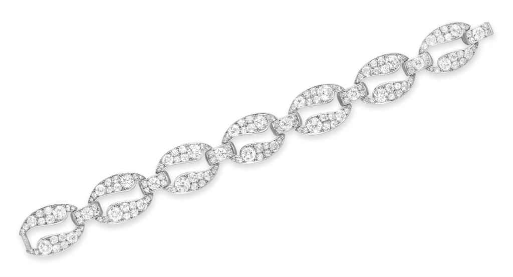 line art diamond carats deco bracelet