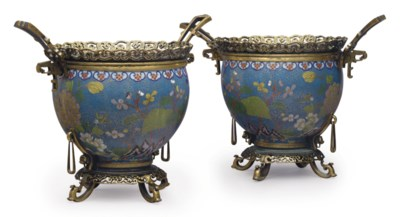 A PAIR OF FRENCH ORMOLU AND CL