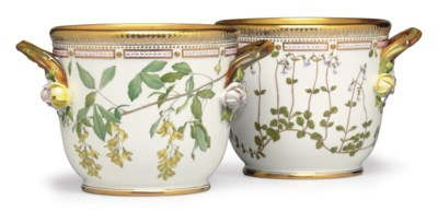 A PAIR OF ROYAL COPENHAGEN POR