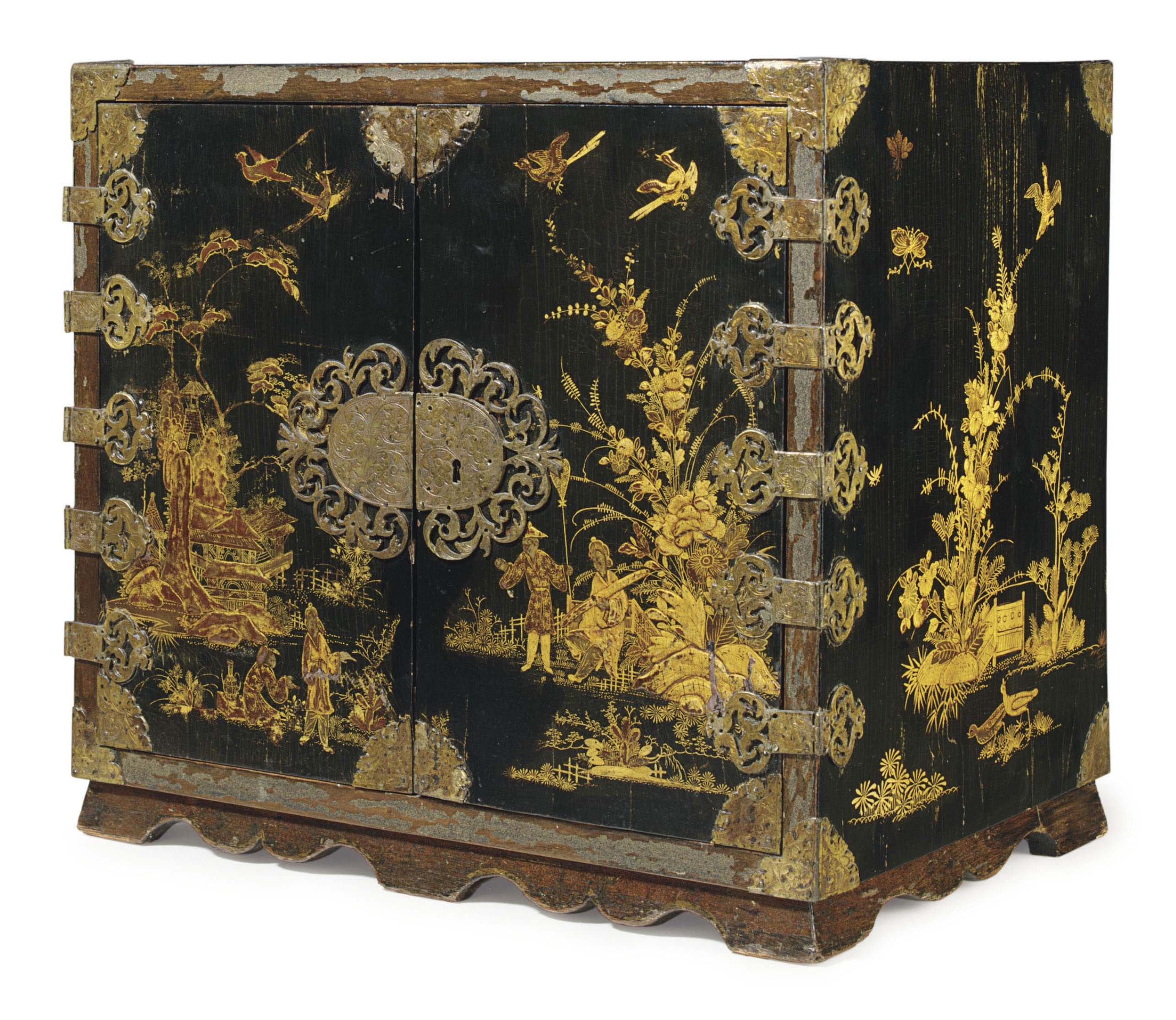 A QUEEN ANNE BLACK AND GILT-JAPANNED TABLE CABINET