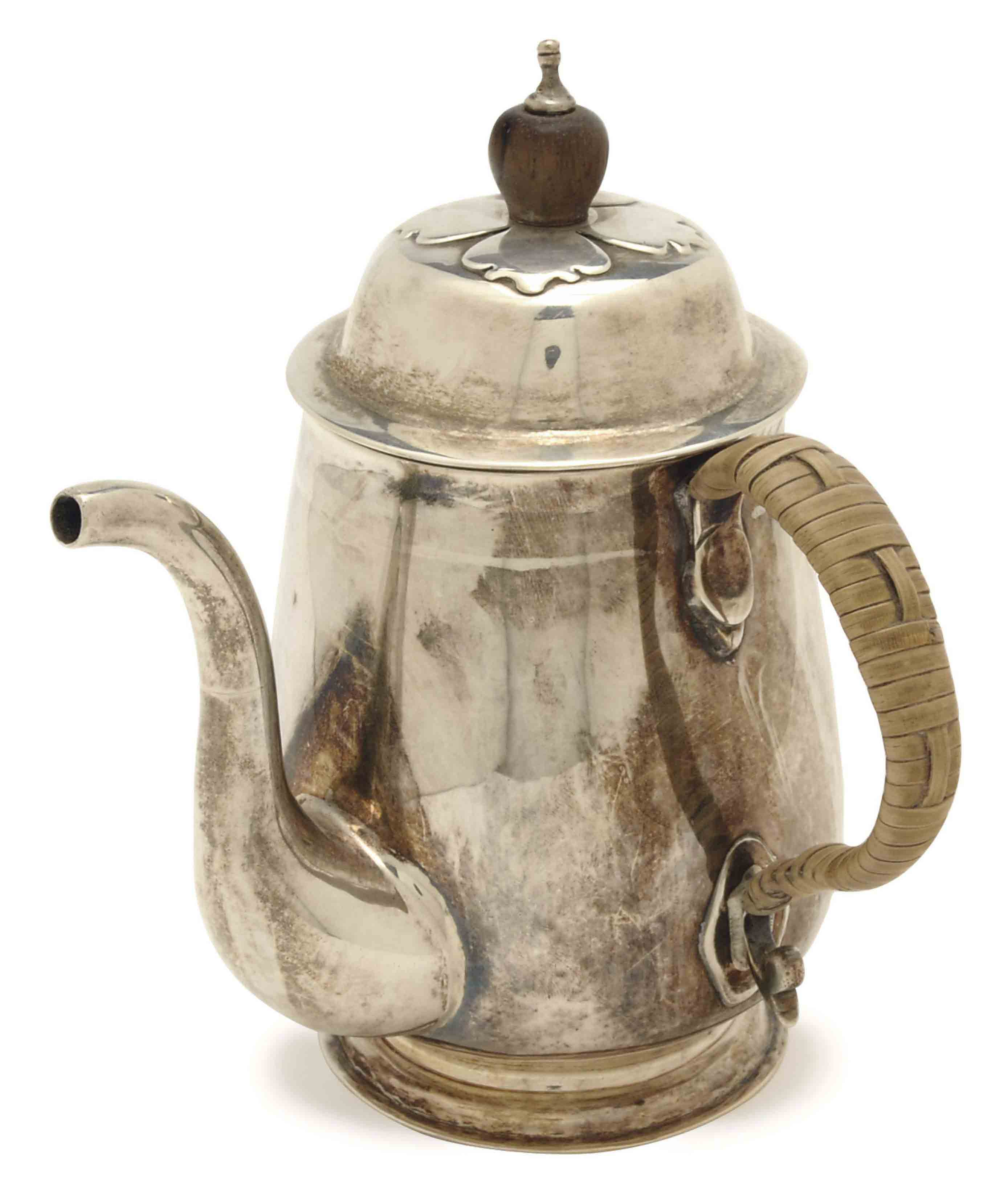A QUEEN ANNE SILVER HOT WATER POT AND COVER,