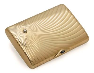 A RUSSIAN GOLD CIGARETTE CASE,
