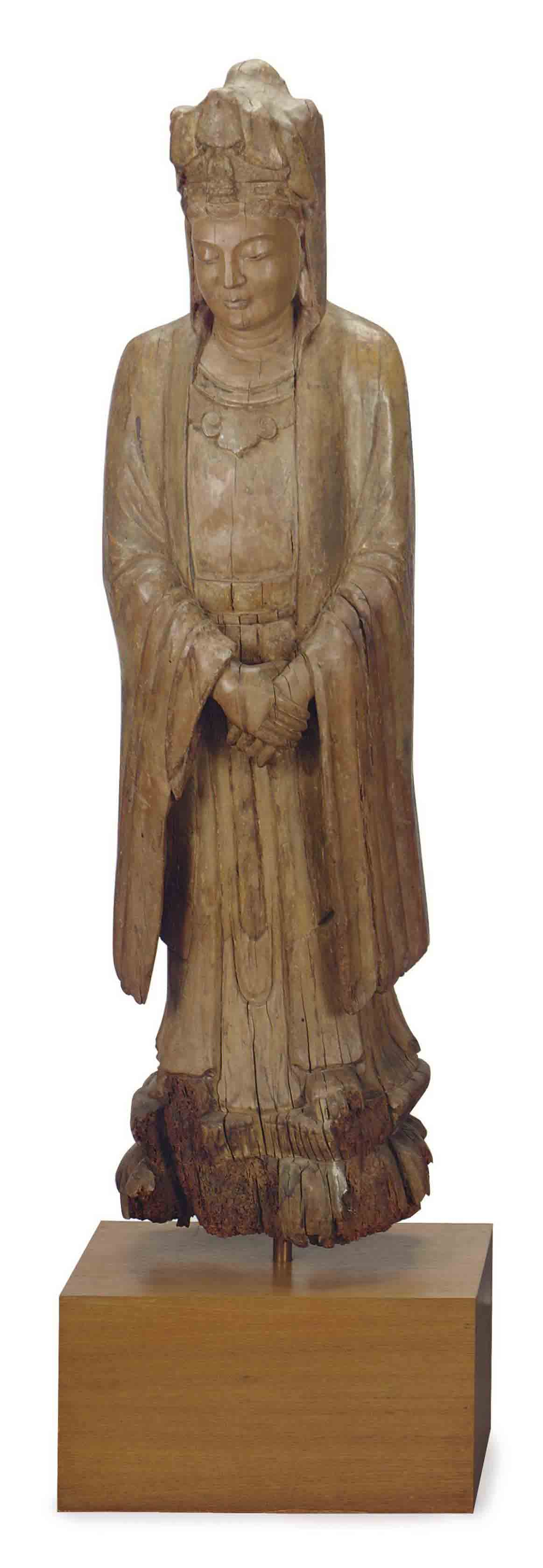 A LARGE CHINESE WOOD CARVED FIGURE OF GUANYIN,