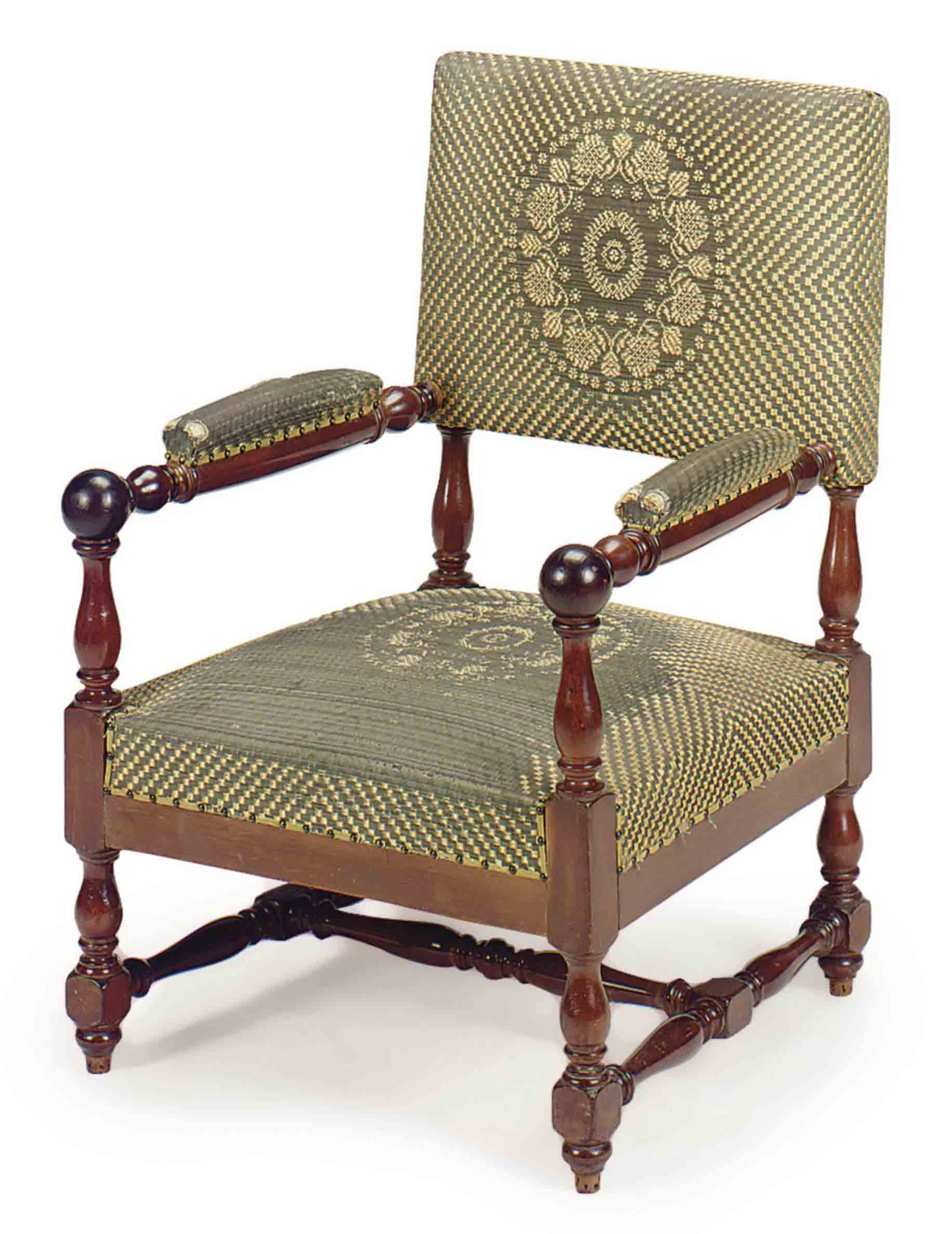 A FRENCH MAHOGANY AND HORSEHAIR-COVERED FAUTEUIL,