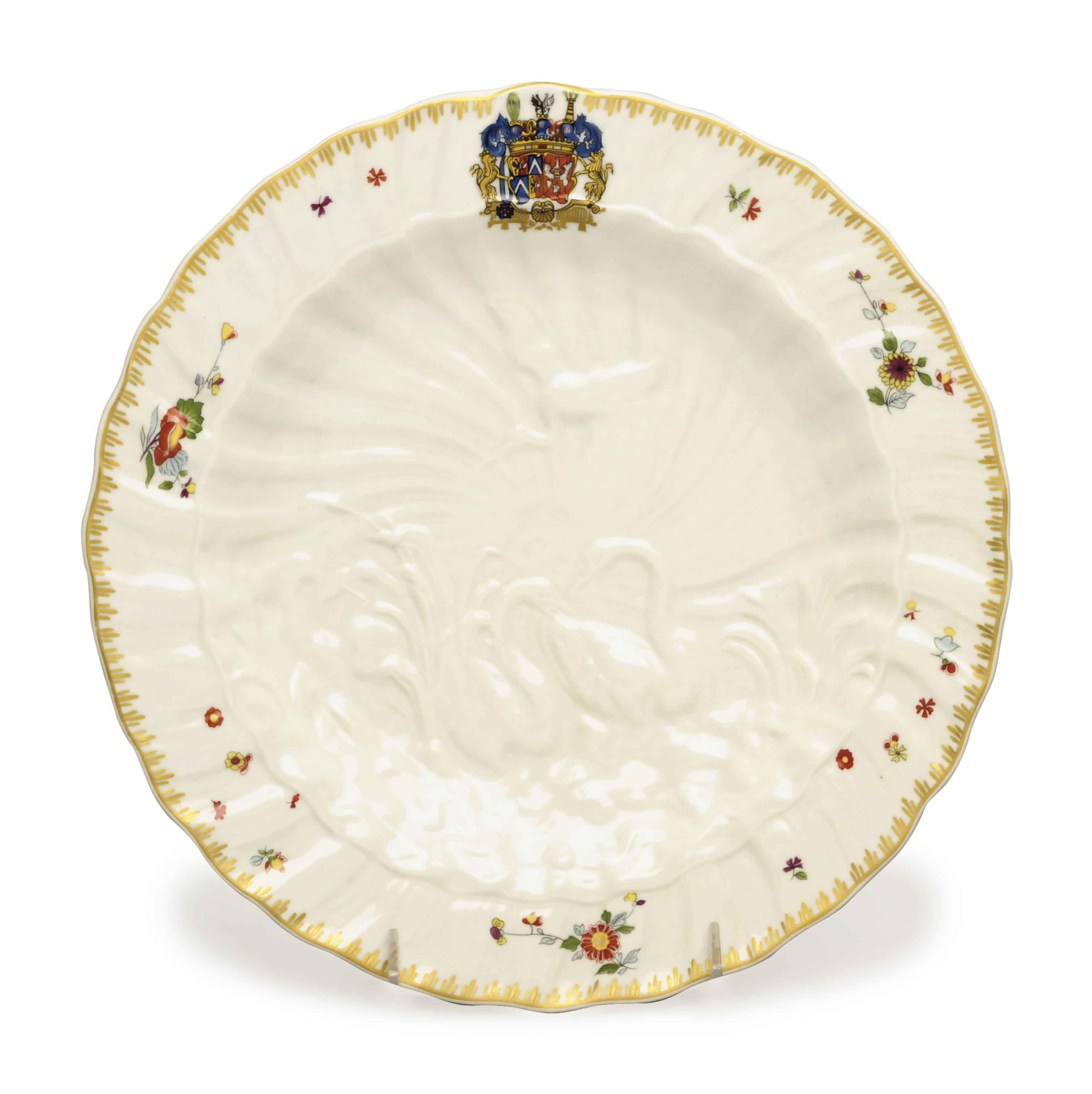 A SET OF EIGHT PORTUGESE PORCELAIN PLATES IN THE 'SWAN SERVICE' PATTERN,