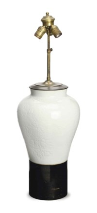 A CHINESE WHITE GLAZED VASE MOUNTED AS A TABLE LAMP,