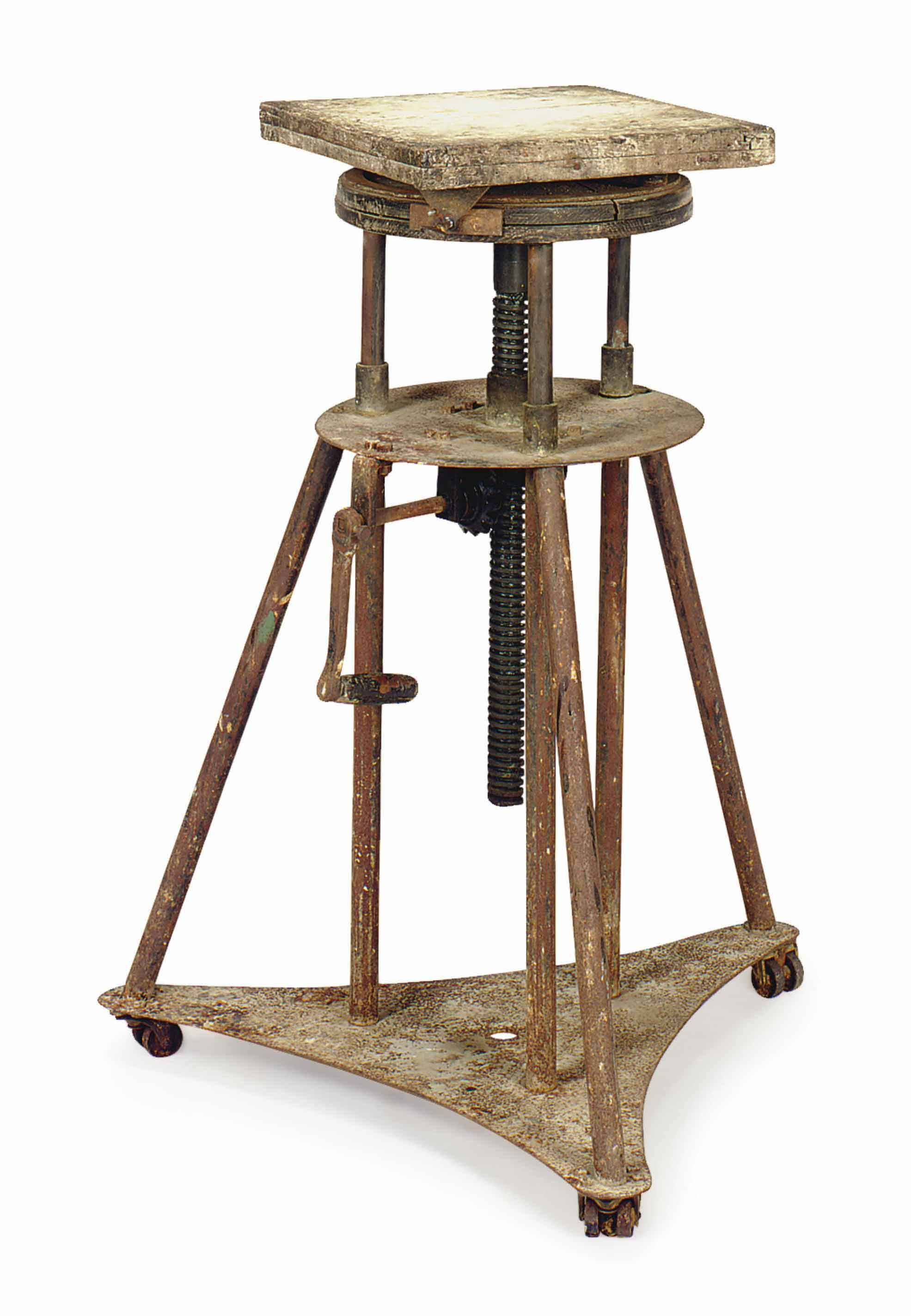 A PAINTED OAK AND METAL ADJUSTABLE SCULPTURE STAND,