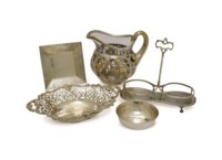 A GROUP OF AMERICAN SILVER TABLEWARES,