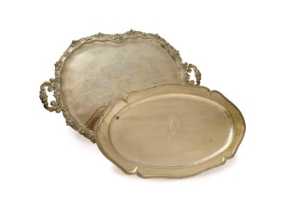 A GROUP OF FIVE SILVER TRAYS,