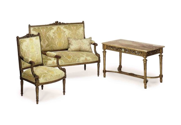 A FRENCH THREE-PIECE GILTWOOD