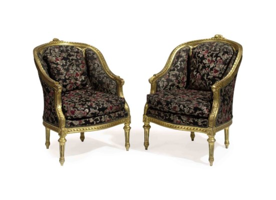 A PAIR OF GILTWOOD BERGERES,