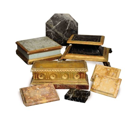 A COLLECTION OF EIGHT MARBLE A